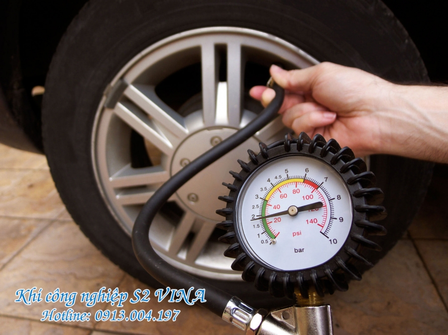 Bơm lốp xe bằng khí công nghiệp nito