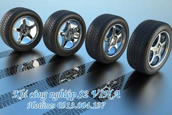 Tăng độ bền của lốp xe bằng khí công nghiệp nito