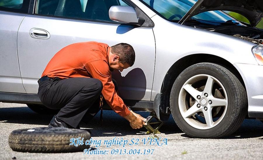 An toàn tiết kiệm khi bơm lốp xe bằng nito