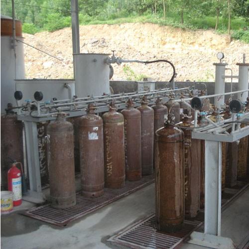 Nổ bình khí công nghiệp Acetylen trong xưởng Oxy